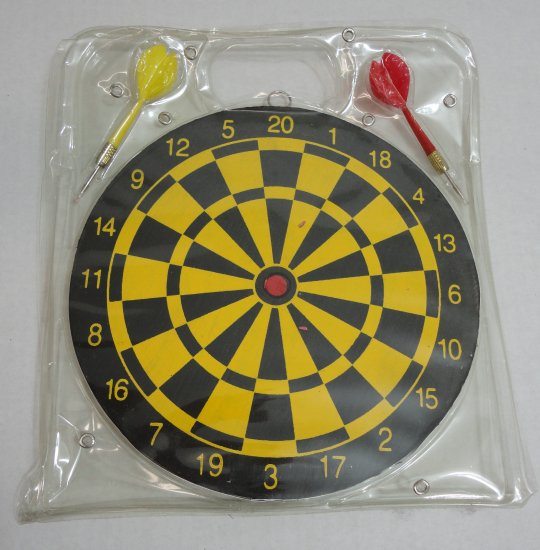 ''9.5'''' DART Board with 2 DARTS''