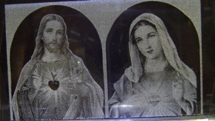 3D Laser Etched Crystal-Jesus and Mary