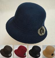 Ladies Felt Cloche Hat with Fur